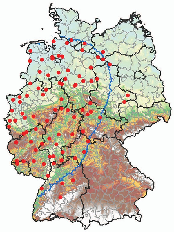 Culicoides spp. monitoring area, 150-km zone restricted because of the occurrence of bluetongue disease in Germany as of January 2007 (blue border), and geographic positions of 89 black light traps (red dots).